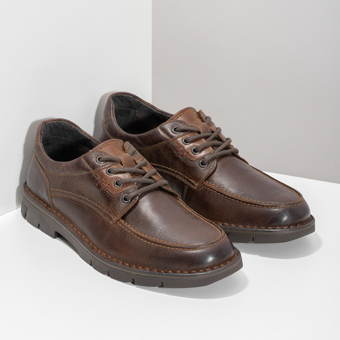 Men's leather shoes with distinctive sole bata, brown , 826-4917 - 26